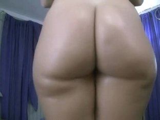 I oiled my bum to look sexier