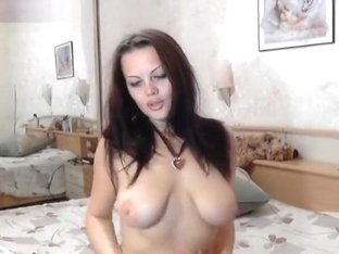 Anje1lika with bare tits in free chat