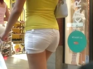 Amateur brunette teen candid ass in shorts