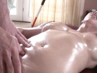 Isis Love gets massaged by Johnny Sins