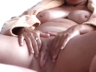 Wifes wet pussy play