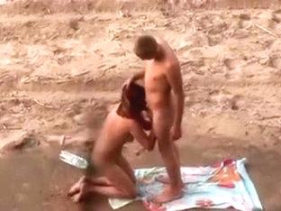 Voyeur. Blowjobs and sex on public beach
