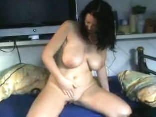 girl wets her pussy