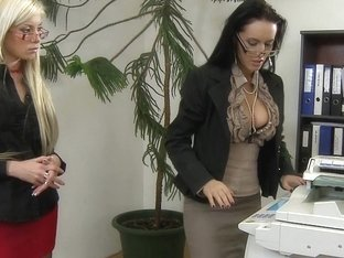 Horny Secretaries