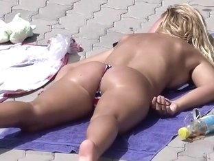 Blonde's accidental nudity by the pool
