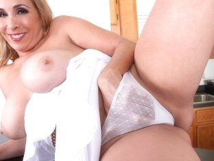 Sophia Jewel in Time To Unwind - Anilos