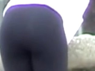 Girl in tight pants bends over showing candid butt 03s