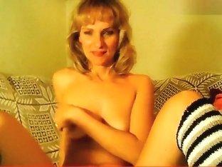 Naked blonde Lilu01