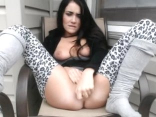 Fascinating darksome brown playgirl spreading legs