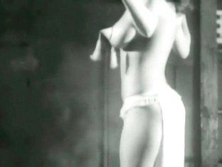 Burlesque Strip SHOW 145 Virginia Bell Titty shaker