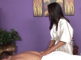 Massage-Parlor: Massage Of The Stars