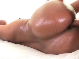 RoundAndBrown - Sexy shaker