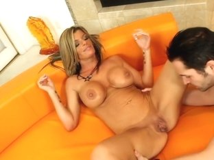 Kristal Summers & Kris Slater in Seduced by a Cougar