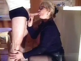My personnal secretary (part 3of6): on her knees