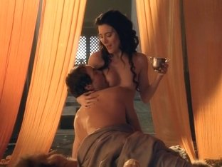 Spartacus Gods of the Arena E03 Paterfamilias Lucy Lawless and Jaime Murray