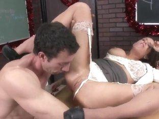 Jordan Ash fucks busty brunette Veronica Avluv