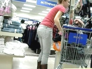 Sexy candid blonde shows us her pink thong