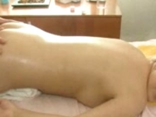 Carnal love tunnel massage is what this blond chick needs