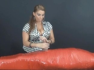 Stacie Starr worships a large obese 10-Pounder with outstanding cook jerking