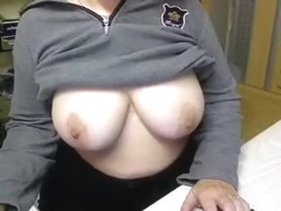 The nice natural big love muffins on web camera flashing under the sweater