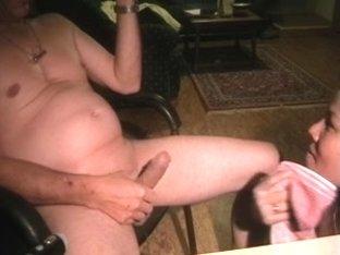 Amateur Asian babe gets a hot facial