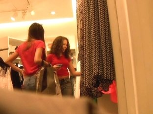 Two Cute Latina girls Shoppin' (Graz 10)
