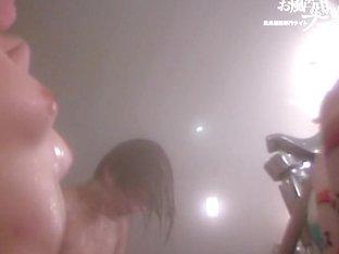 Gorgeous amateur Asians under the shower water streams dvd 03135
