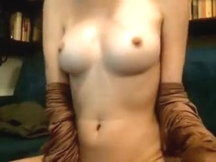 One of my homemade webcam vids in which I jill off