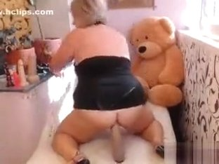 Blonde Bbwmira fucks his hole