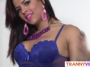 Cute tranny is hot in blue