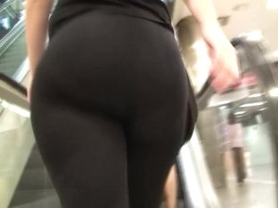 spanish candid white big fat ass in transparent tights