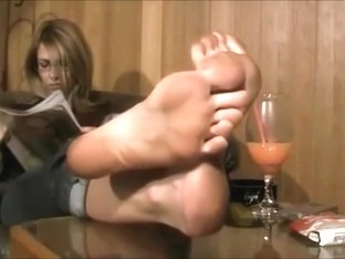 Dirty feet blond