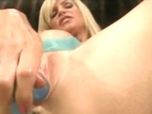 mother I'd like to fuck plays with her recent double penetration toy