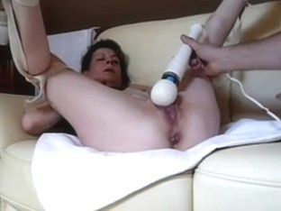 Vibrator makes my cunt dripping