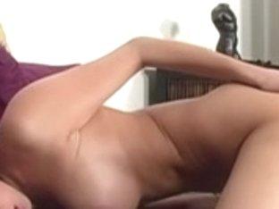 Breanne vibrations masturbation