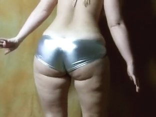 Beautiful wiggly white ass of a hot amateur PAWG babe