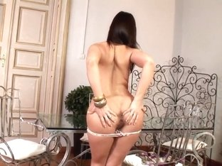 Awesome video of Eve Angel posing naked