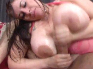 PremiumGFs Video: Daphne Rosen