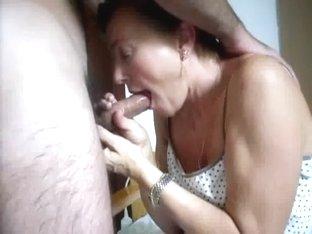Older wife gulp and eat spouse cums..damn