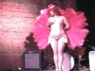 Burlesque Strip SHOW 87 Bonita Chinchilla Striptease