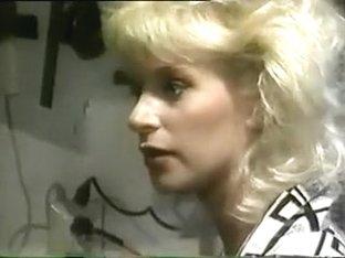 Licking Lesbians (1988)