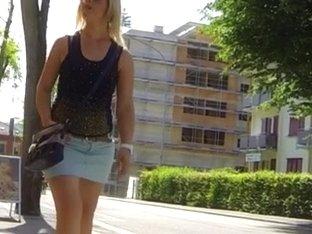Candid - Sexy Italian MILF In Mini Skirt Leggs