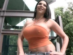 Busty milf Missy Martinez masturbates with Hitachi