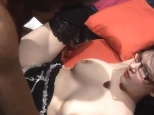 Aged teaches Jessica Lo how to acquire group-fucked