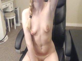 Hot Babe Enjoy Hard Dildo Fucking and Fingering
