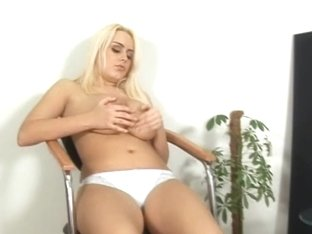 Pamela Boobs and Pussy Play