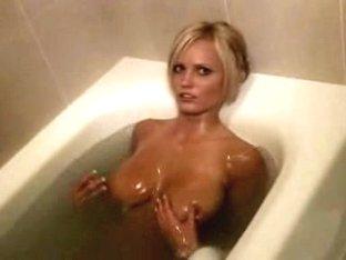 Blonde's shameless on cam