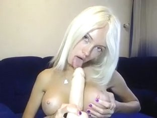 very sexy beauty sucking dildo