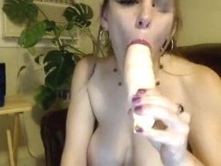 sweettr0uble amateur record on 07/10/15 08:11 from MyFreecams