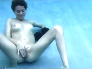 Underwater breathplay and masturbation